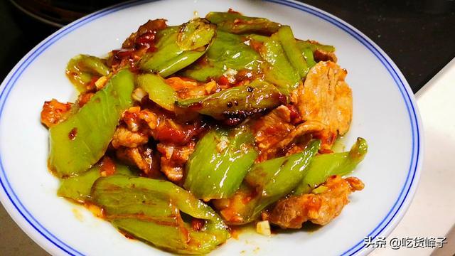 青椒炒肉的做法,怎样做青椒炒肉好吃?原来有诀窍,跟大厨学着做,和饭店的一个味