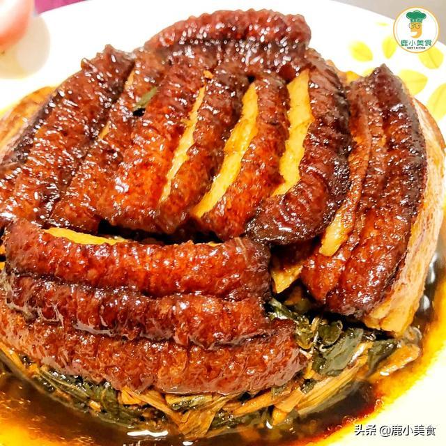 梅菜扣肉怎么做,年夜饭做梅菜扣肉,谨记扣肉制作5步法,酥软不肥腻,越吃越咸香