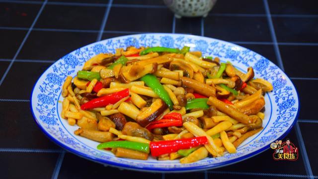 菌的吃法,6种食用菌炒一盘,饭店卖58元一份,自己做成本仅10元?
