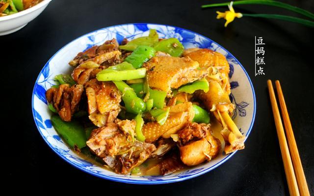 炒鸡的做法,家常炒鸡的做法,又香又嫩,孩子爱吃,过年少不了