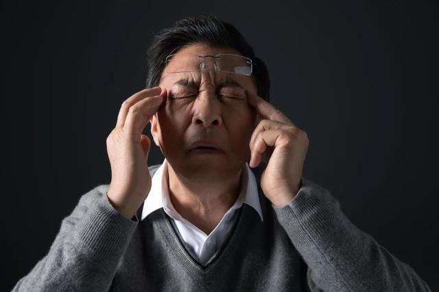 眩晕症症状有哪些表现,这种病经常犯,原因有多种!一文了解:眩晕治疗药物汇总
