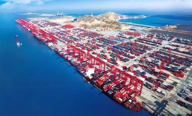 一季度海运集装箱货运量排到了在我国海港第8位,确实令人赞不绝