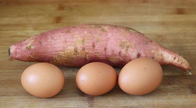 山芋的吃法,1个红薯,3个鸡蛋,给红烧肉也不换,我家常做,孩子爱吃