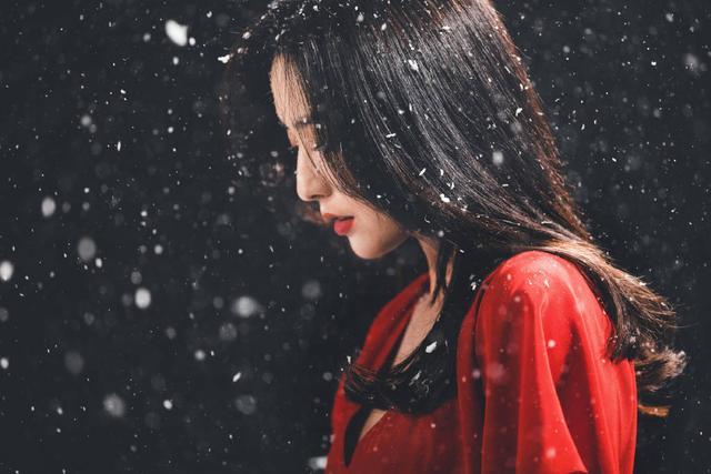 佟丽娅在张杰新歌MV中起舞 一袭红衣美出天际 全球新闻风头榜 第6张