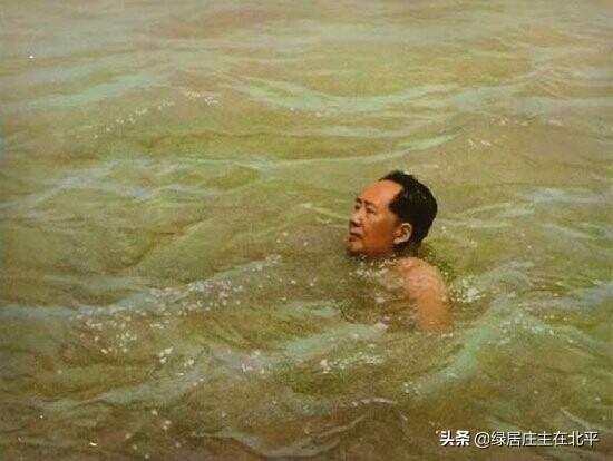 姓毛的名人,毛泽东与周世钊,同登岳麓山,诗词唱和永葆同窗情