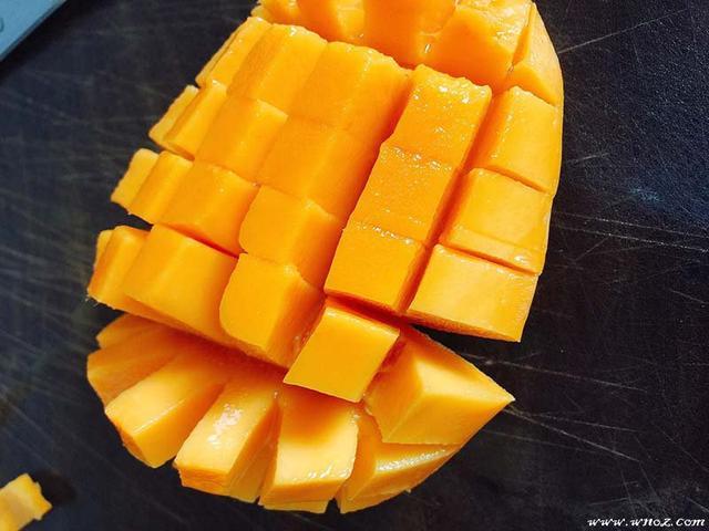 怎么做果冻,自制果冻的做法,可根据自己的喜好添加果肉,超级简单