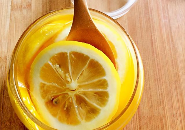 蜂蜜怎么做,蜂蜜都能做什么饮品?蜂蜜怎么做好喝?