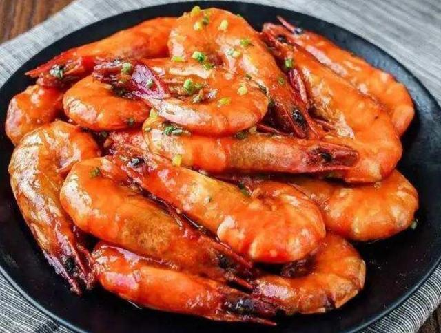 番茄酱的吃法,大虾新吃法,加一勺番茄酱,酸甜可口,肉嫩入味,比油焖大虾好吃