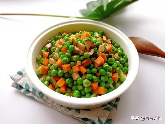 豌豆的吃法,春天此豆可常吃,配2样食材一炒,鲜糯绵软好消食,孩子看见就馋