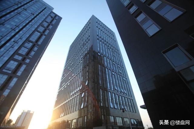 楼市传来大消息,房价虽高,但2021年出现3大利好消息,买房难度会降低