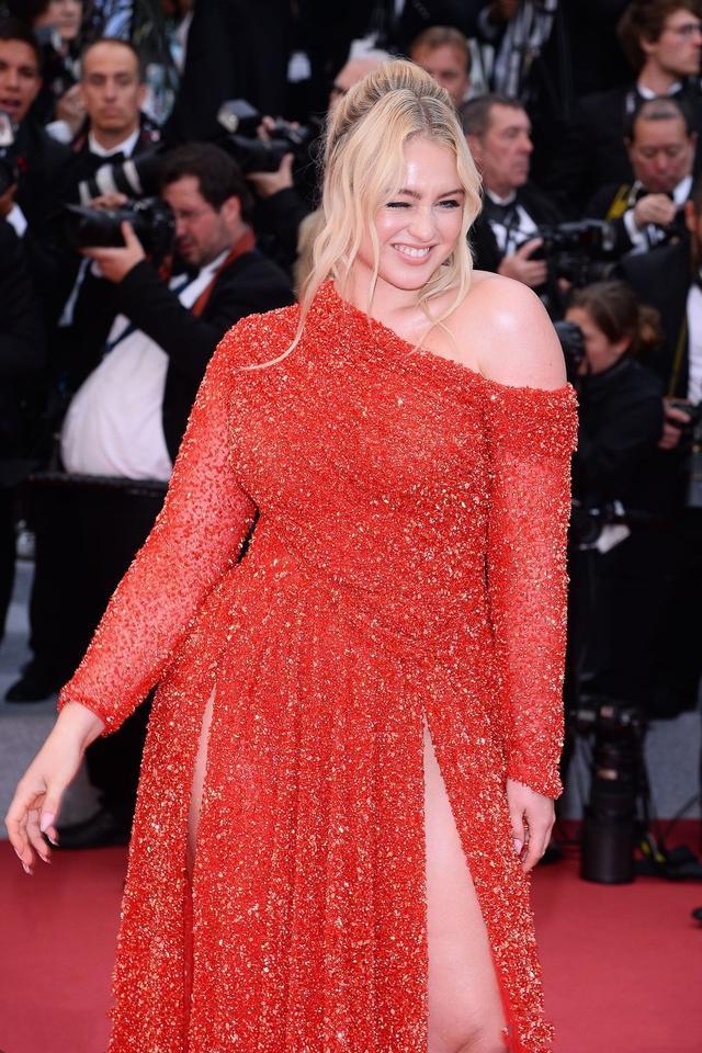 """模特简介,瘦即是美?看看160斤的她,多性感,被称""""全球最美大码模特"""""""