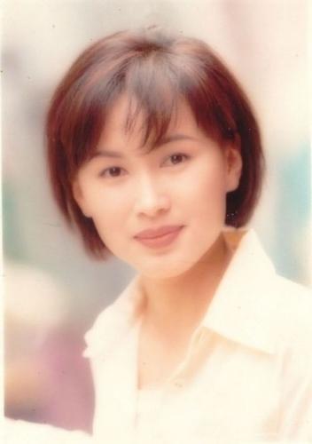 Chen Xiuwen đau khổ: mẹ qua đời, chị gái đoạn tuyệt, con trai tự kỷ, chồng mất hết tài sản không chịu ly hôn