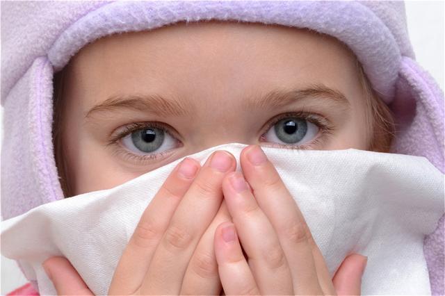 婴儿咳嗽,咳嗽要吃药吗?了解宝宝咳嗽的4大原因