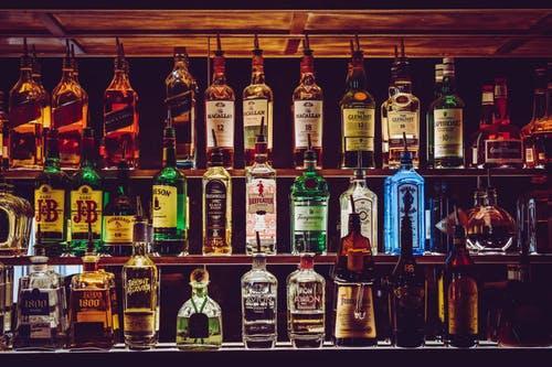 酒吧营销,酒吧卖酒要注意推销的技巧