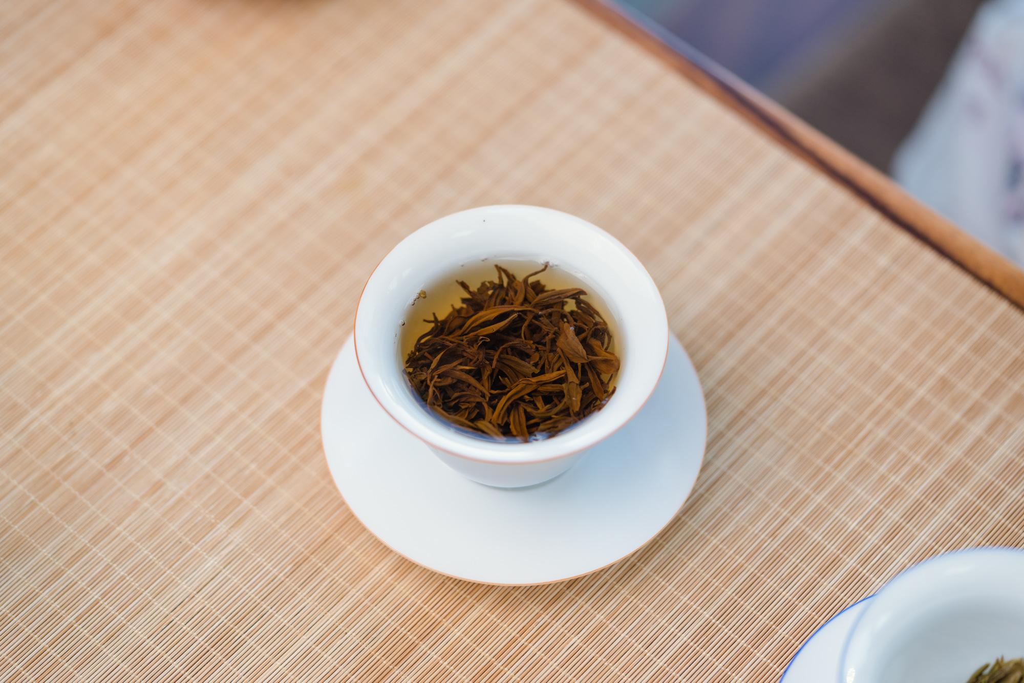 小喜年-泡过的茶叶不要急着倒掉,这4个小妙招才是实用、可操作的