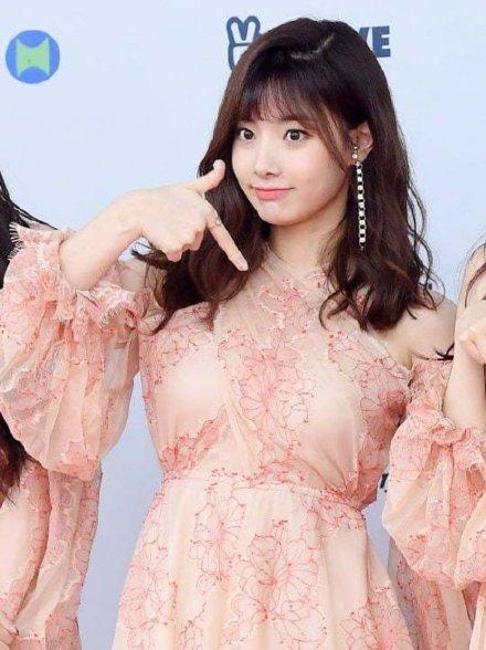 April成员李玹珠遭成员霸凌真的吗 韩国偶像组合霸凌事件频发