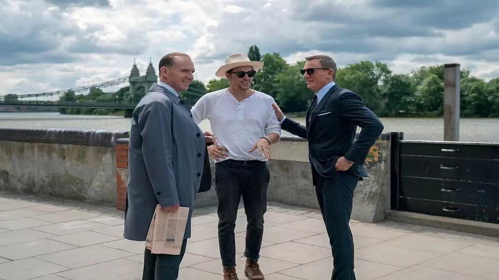 """《007:无暇赴死》发布""""幽灵再现""""片段 邦女郎慌乱失措 007深陷迷局"""