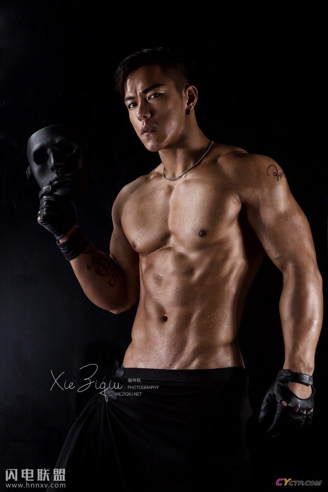 有一个专门是钙片的网站肌肉帅哥男体艺术图片