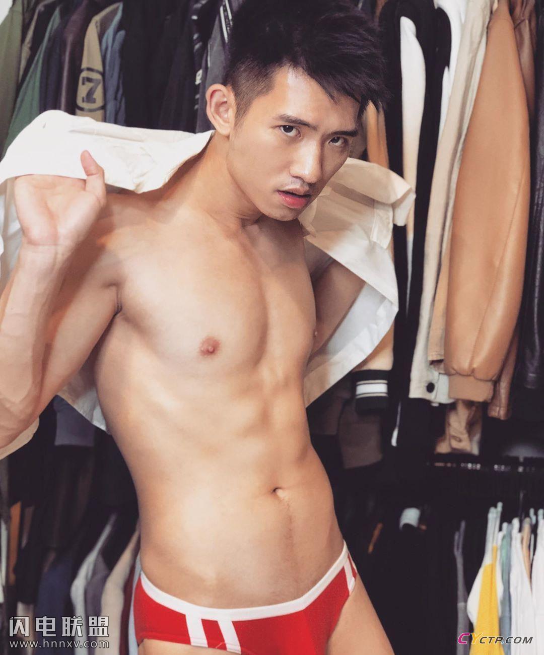 假期福利亚洲男同gay小鲜肉帅哥私房照第1张
