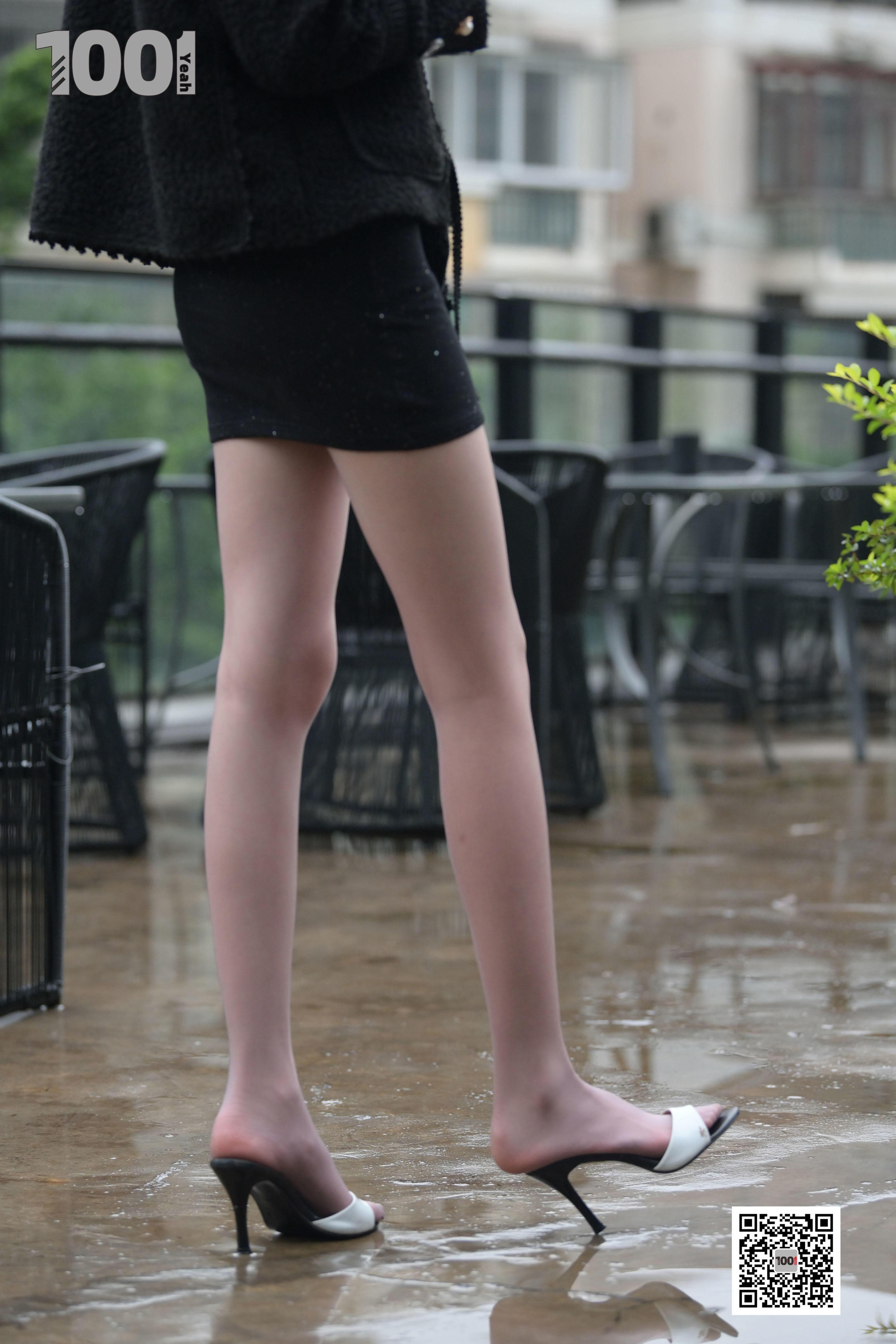 1001夜丝事 模特:《雨中漫步2》雨中的别样风景线-蜜桃畅享