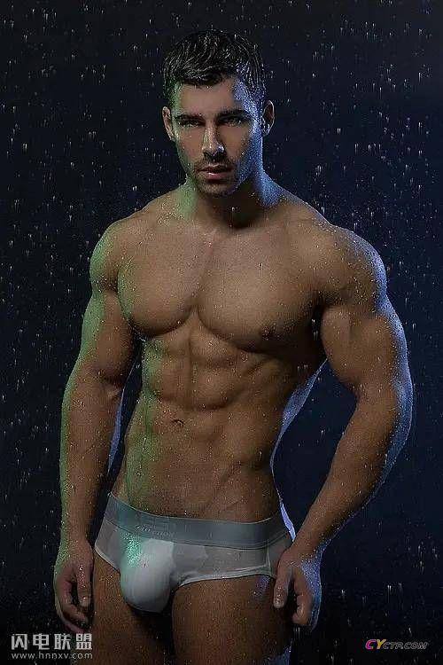 胸肌发达腹肌完美的欧美型男帅哥同志性感肌肉写真图片