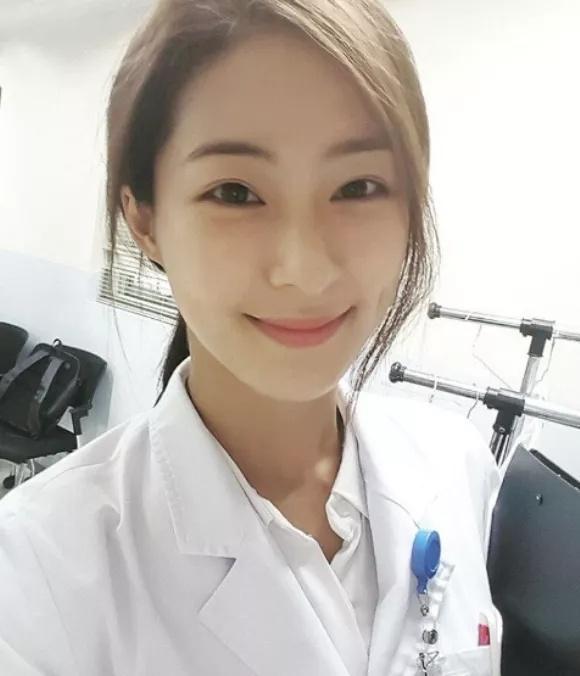 韩国健身白衣天使:清纯的魔鬼Jisu Lee