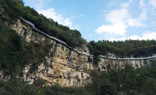 中铁双龙镇巫山峡谷旅游区栈道门票