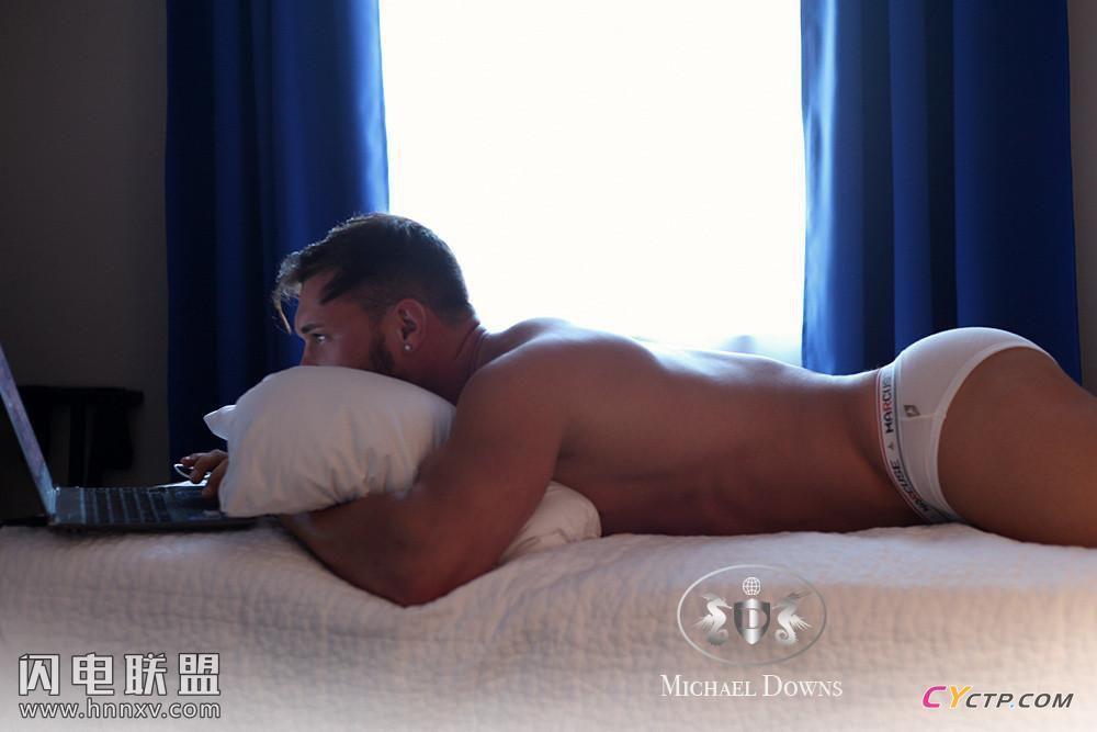 欧美肌肉帅哥八块腹肌性感内裤写真