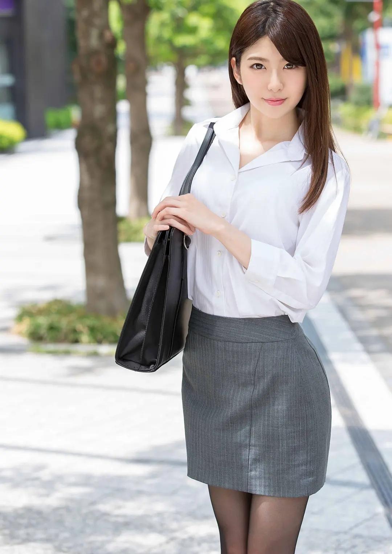 有坂深雪(Miyuki Arisaka)白皙如雪,OL职业装诱惑