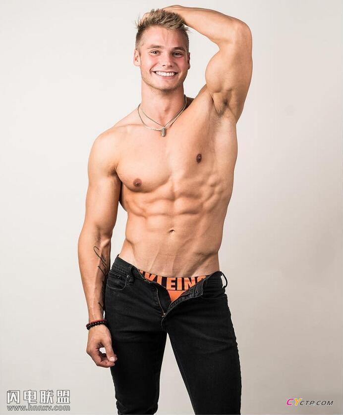 英国性感肌肉男模腹肌图片