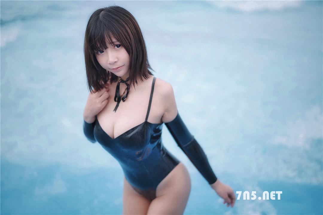[新增]@抱走莫子,19年广州萤火虫长隆水上乐园 黑色乳胶泳衣[40P 215M]