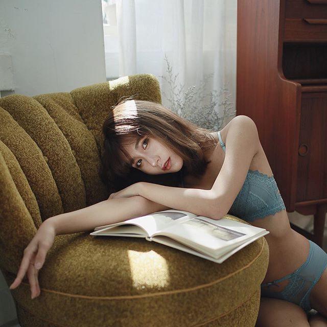 图片[8]-wintv22岁的Chrissy的美胸+性感马甲线+电眼女生-福利巴士