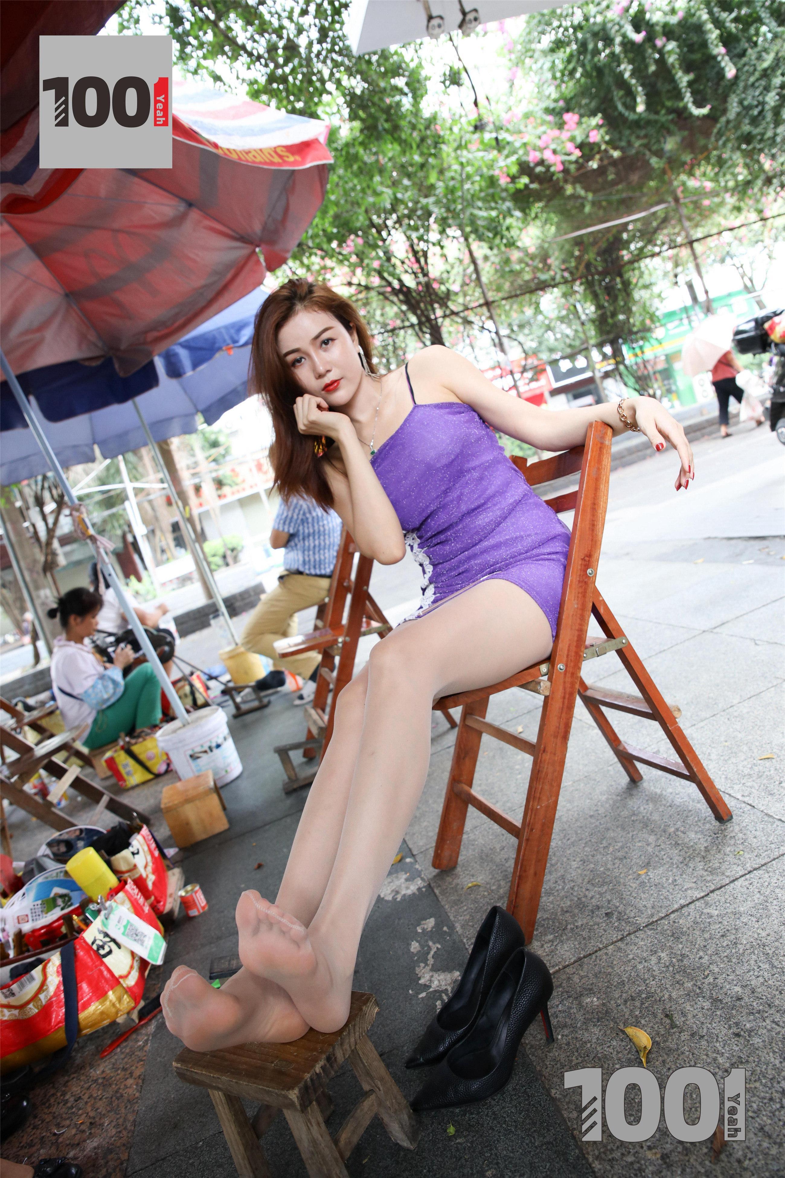 1001夜丝事 模特:Lucy 擦鞋2(继续擦鞋中,肉丝真的太迷人!)
