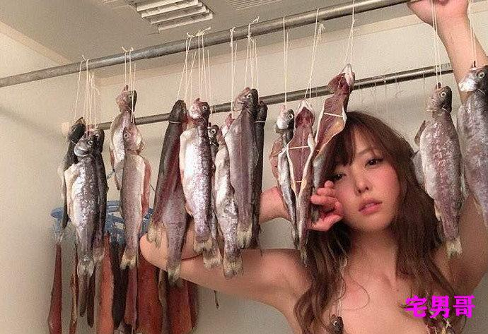 有人在卫生间晒鱼干神操作吉野七宝实写真女星