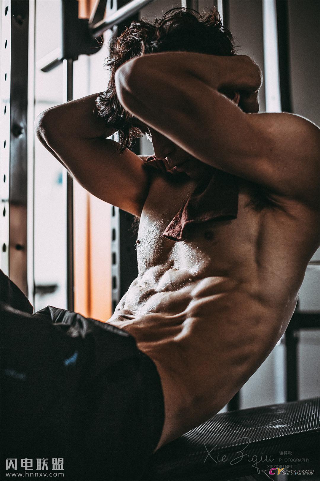 帅哥图片网性感肌肉帅哥图片
