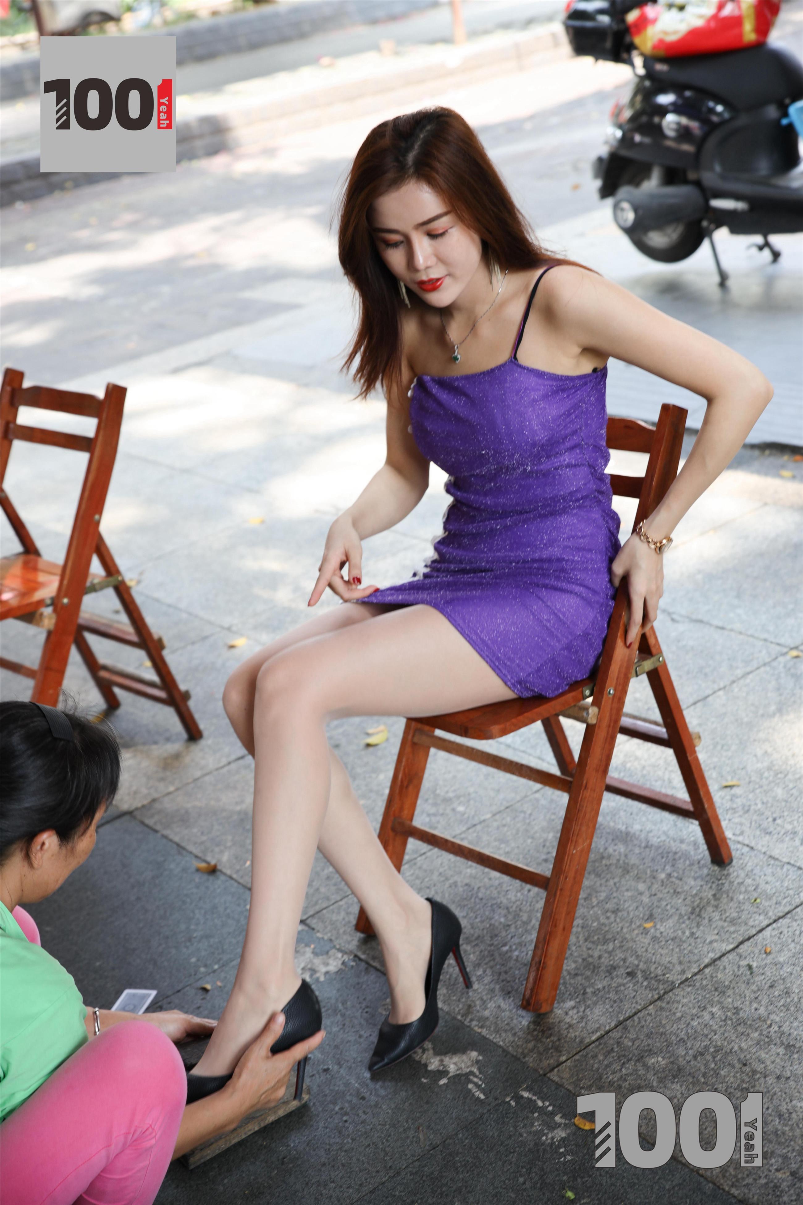 1001夜丝事 模特:Lucy 擦鞋1(相信这样的擦鞋业务是你梦寐以求吗?)
