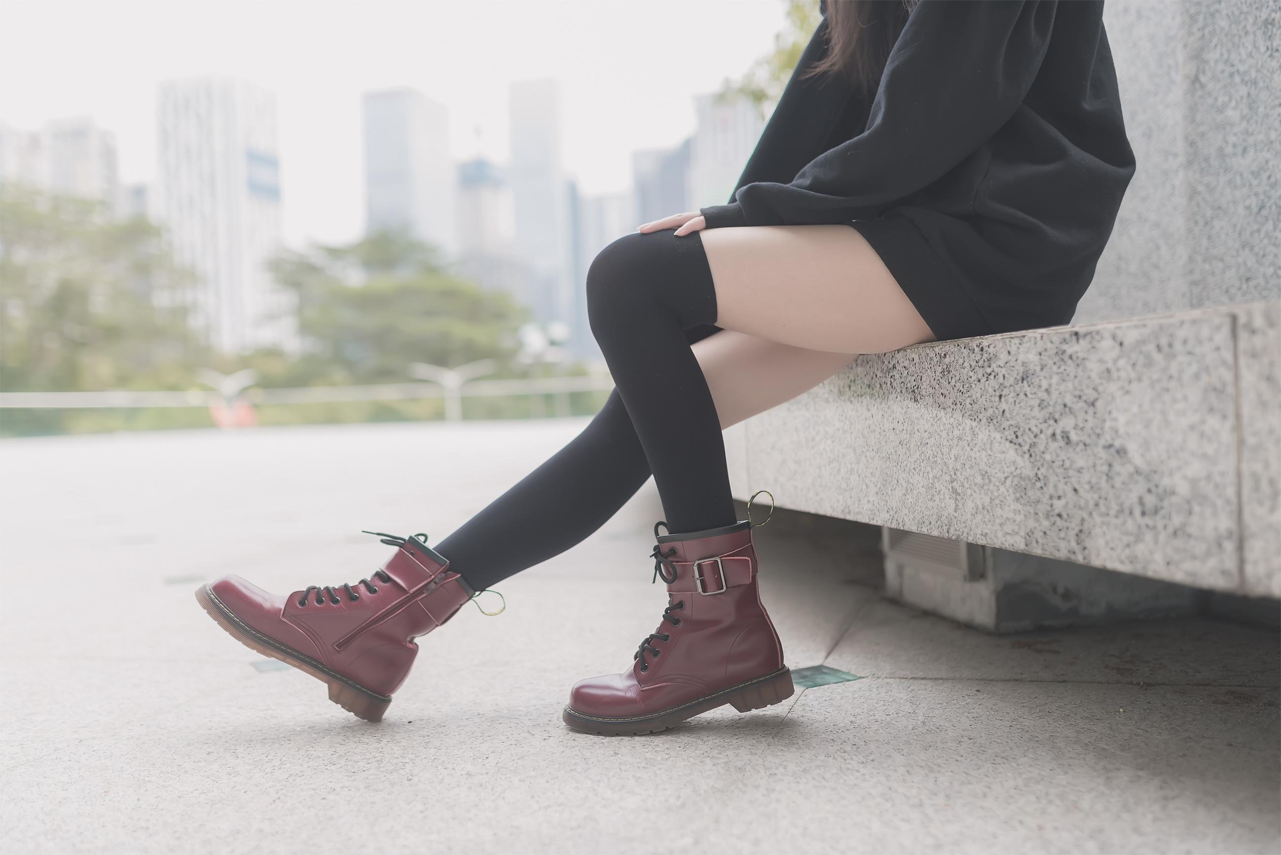 大长腿美女 腿玩年系列 黑丝美腿 吊带袜美脚