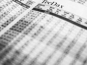 财政部、国家税务总局关于对买卖封闭式证券投资基金继续予以免征印花税的通知