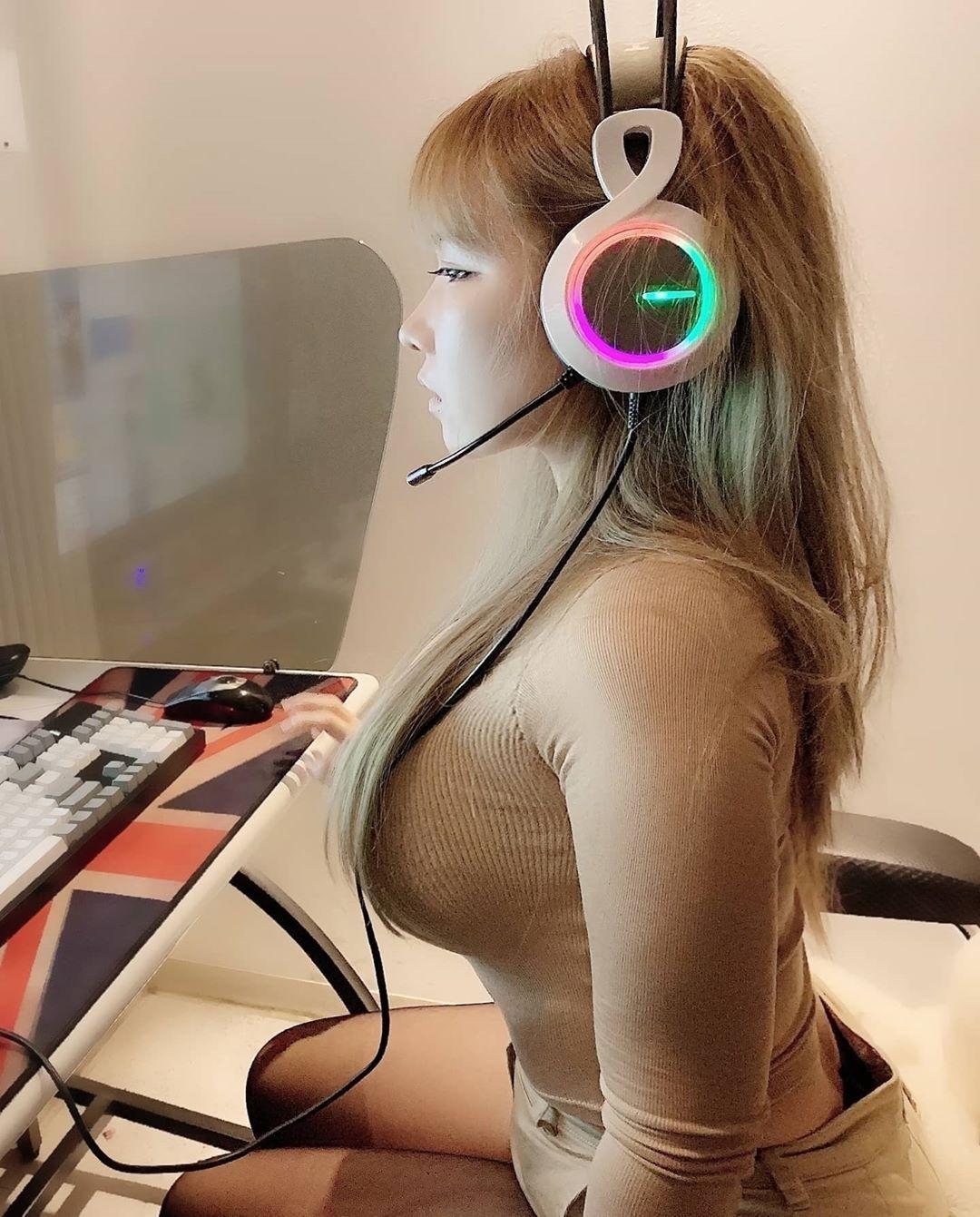 图片[19]-韩国网络红人养眼美眉,性感美胸美女Mika cho-福利巴士