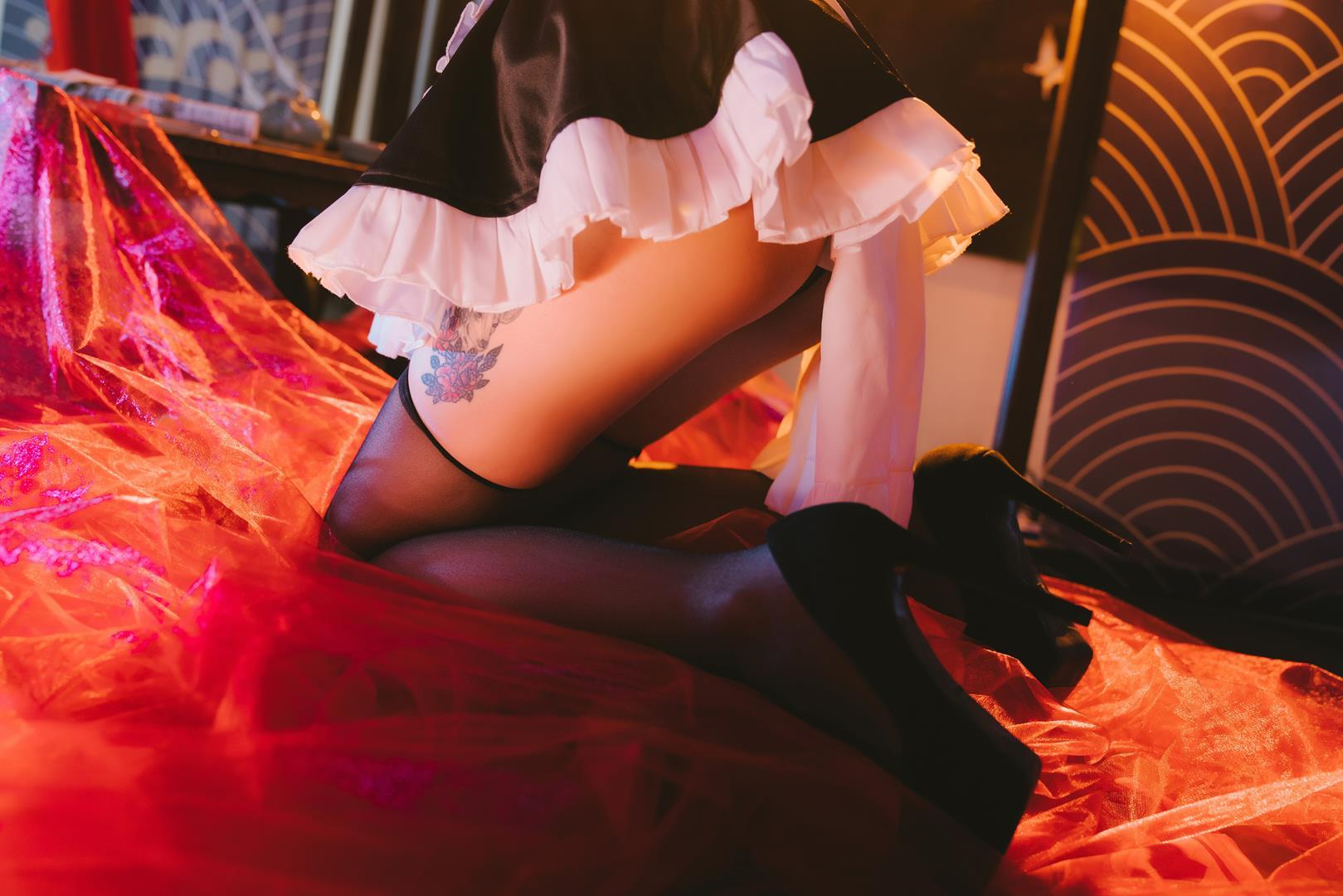 长腿黑丝与翘臀 可以腿玩年的女仆装酒吞童子COS套图插图(39)