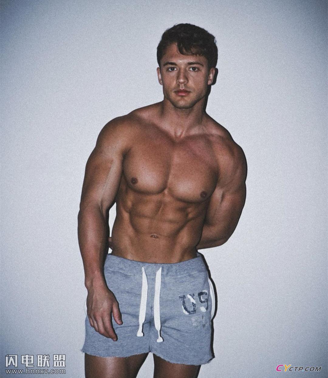 欧美肌肉男黑白写真照片