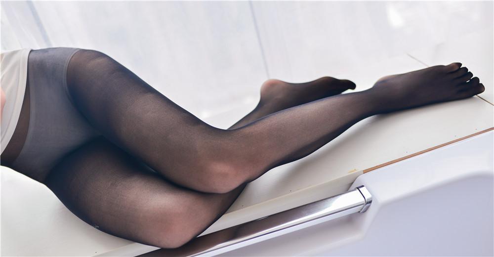 雪琪SAMA – 白色纯棉吊带私房写真[30P 360M]-觅爱图