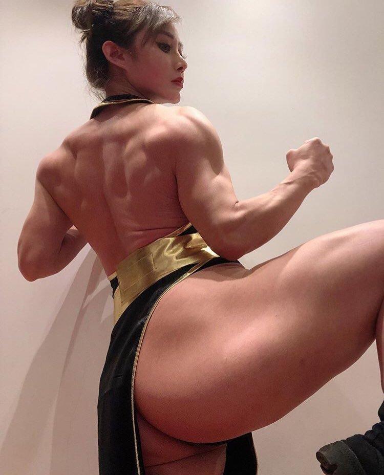 可能是世界上腿部肌肉最还原的春丽COS了