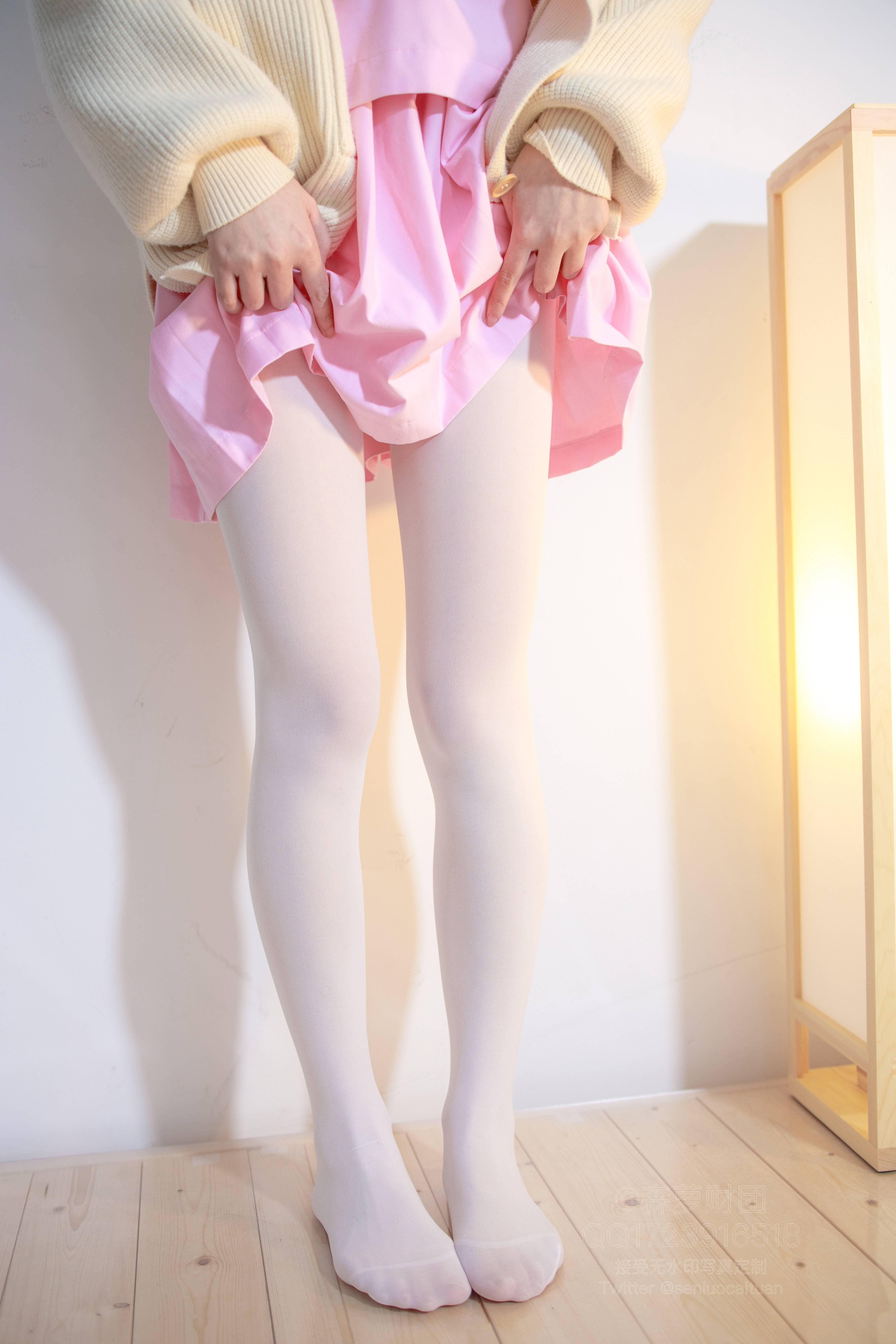 森萝财团 X-059(粉红短裙加白丝) 无水印