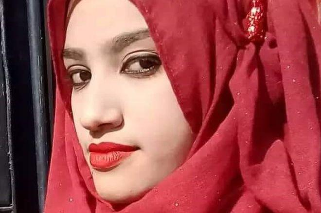 孟加拉19岁女孩指认校长性骚扰 在学校里被活活烧死