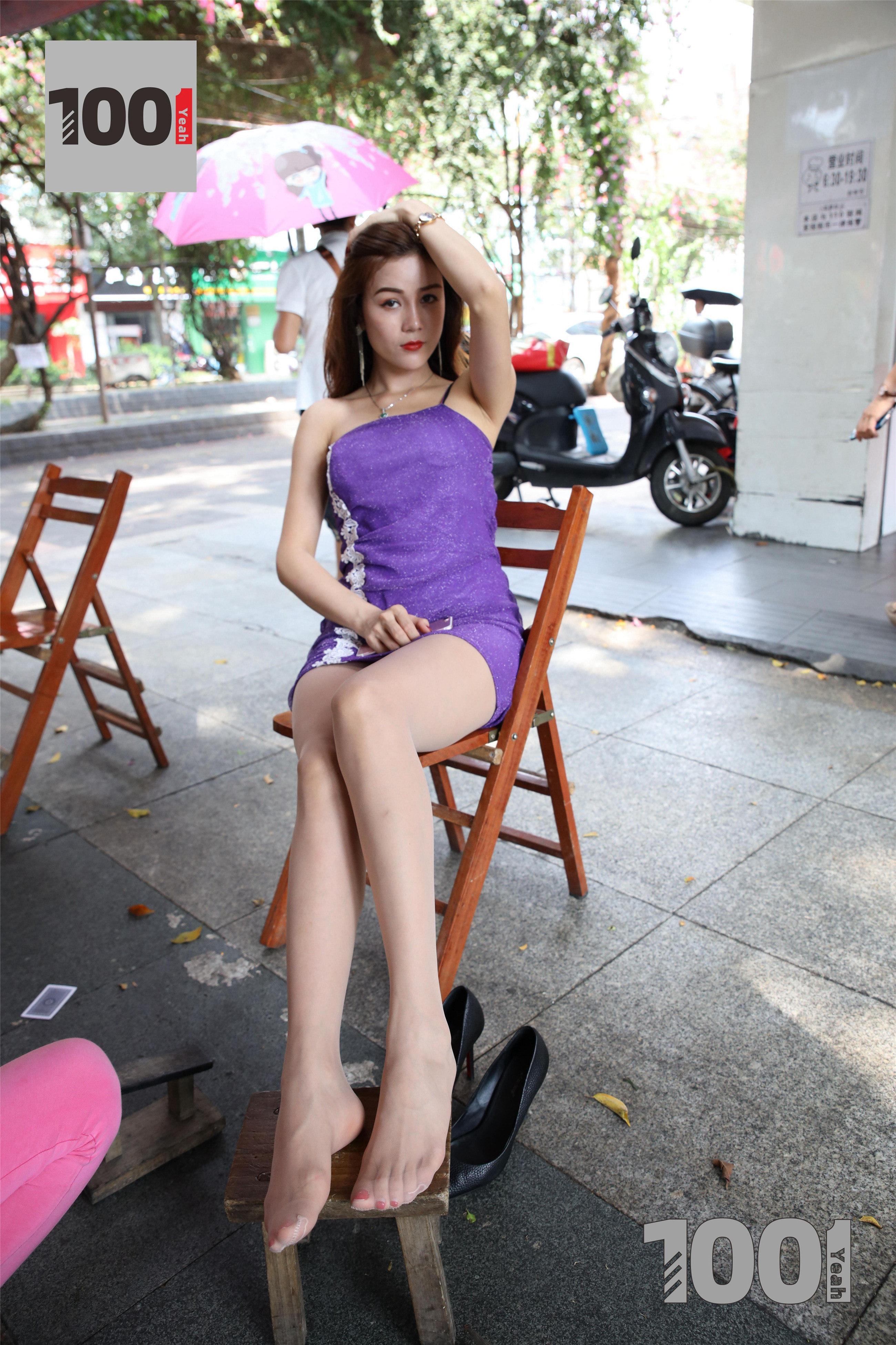 1001夜丝事 模特:Lucy 擦鞋2(继续擦鞋中,肉丝真的太迷人!)-蜜桃畅享