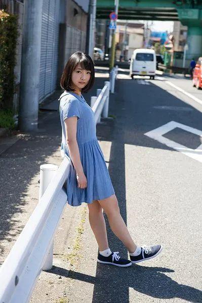 【STARS-201】只要你认出是户田真琴你就可以拥有她一天! 雨后故事 第1张