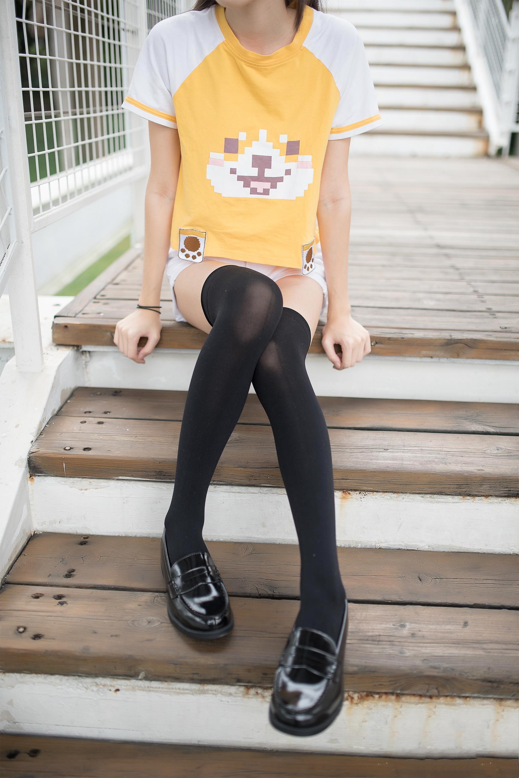【风之领域0002】腿控福利-美少女萝莉之纯黑丝袜 带你瞬间起飞!!!