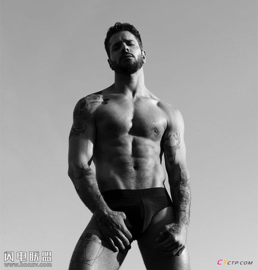 欧美肌肉男模上半身裸体图片第1张