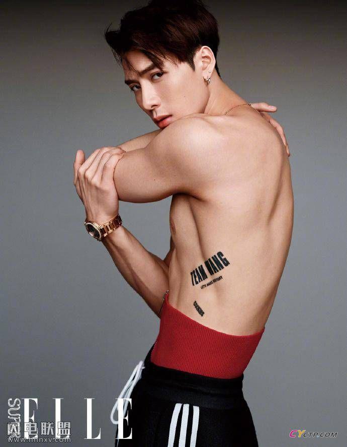 王嘉尔肌肉鲨鱼线荷尔蒙爆棚时尚写真图片